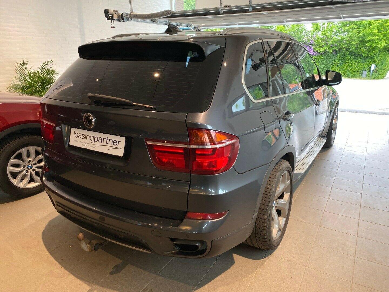 BMW X5 4,4 xDrive50i aut. 5d, Grå