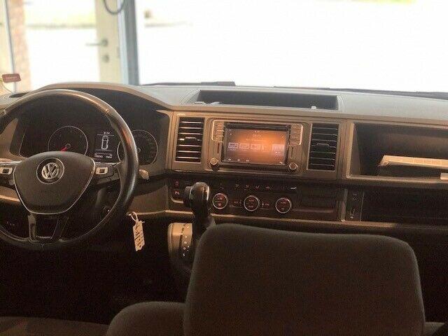 VW Caravelle 2,0 TDi 150 Comfortline DSG lang d, Sølvmetal