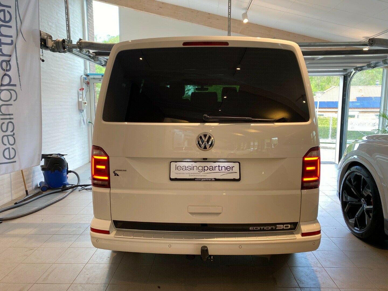 VW Multivan 2,0 TDi 204 Highline DSG kort d, Hvid