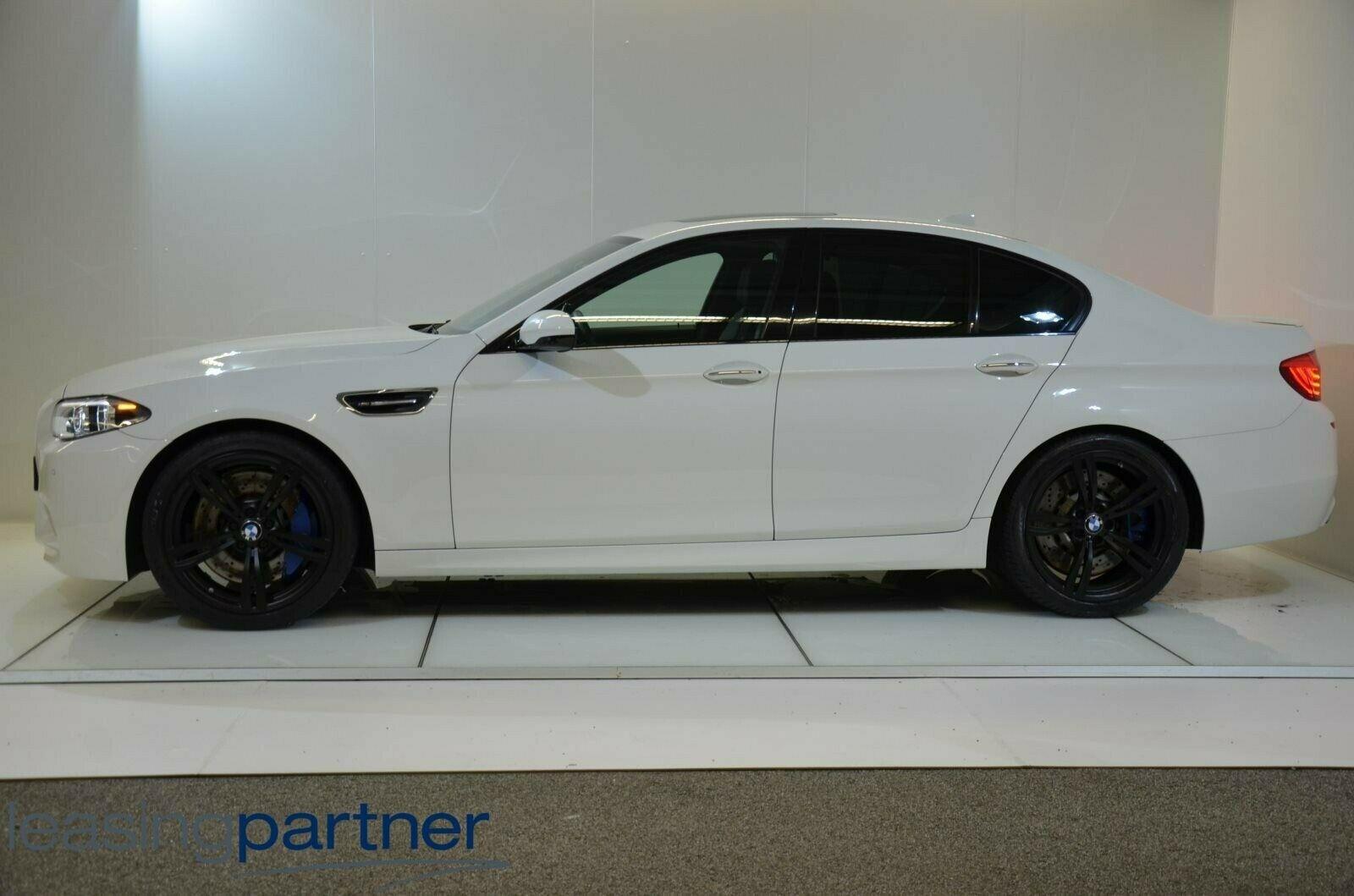 BMW M5 4,4 aut. 4d, Hvidmetal