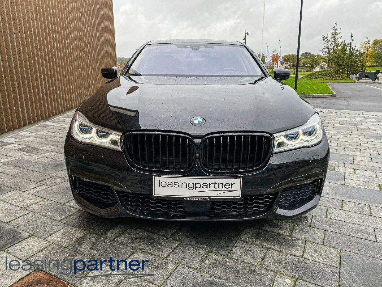 BMW 750i 4,4 xDrive aut. 4d, Sort