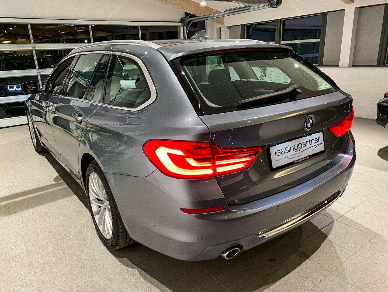 BMW 520d 2,0 Touring Luxury Line aut. 5d, Grå