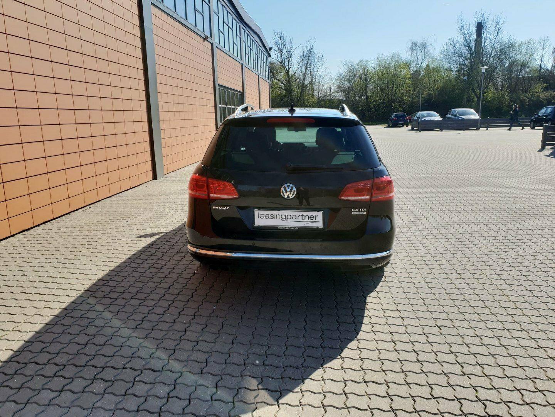 VW Passat 2,0 TDi 140 Highline Vari. DSG BMT 5d, Sort