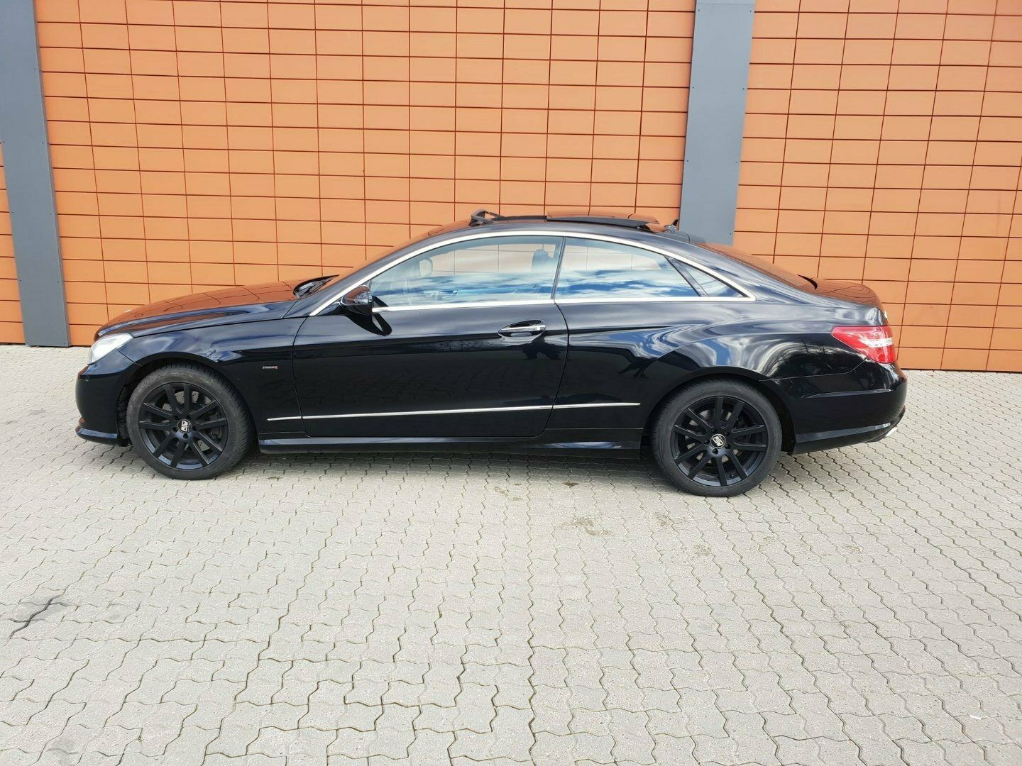 Mercedes E500 5,5 Avantgarde Coupé aut. 2d, Sort