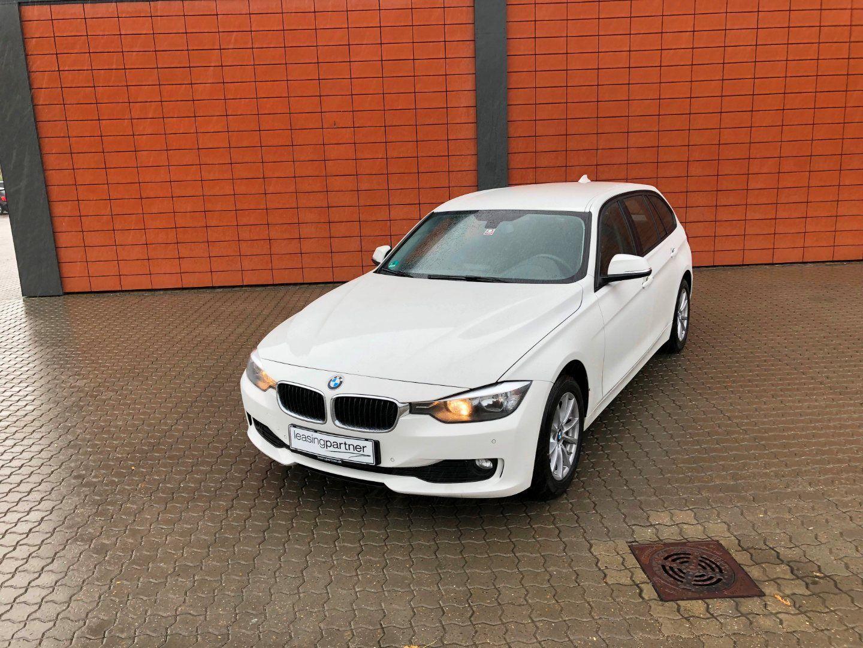 BMW 320d 2,0 Touring xDrive aut. 5d, Hvid