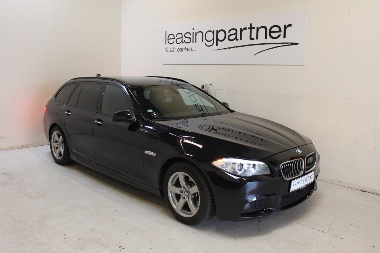 bmw 530d 3 0 touring aut 5d sortmetal leasing partner. Black Bedroom Furniture Sets. Home Design Ideas
