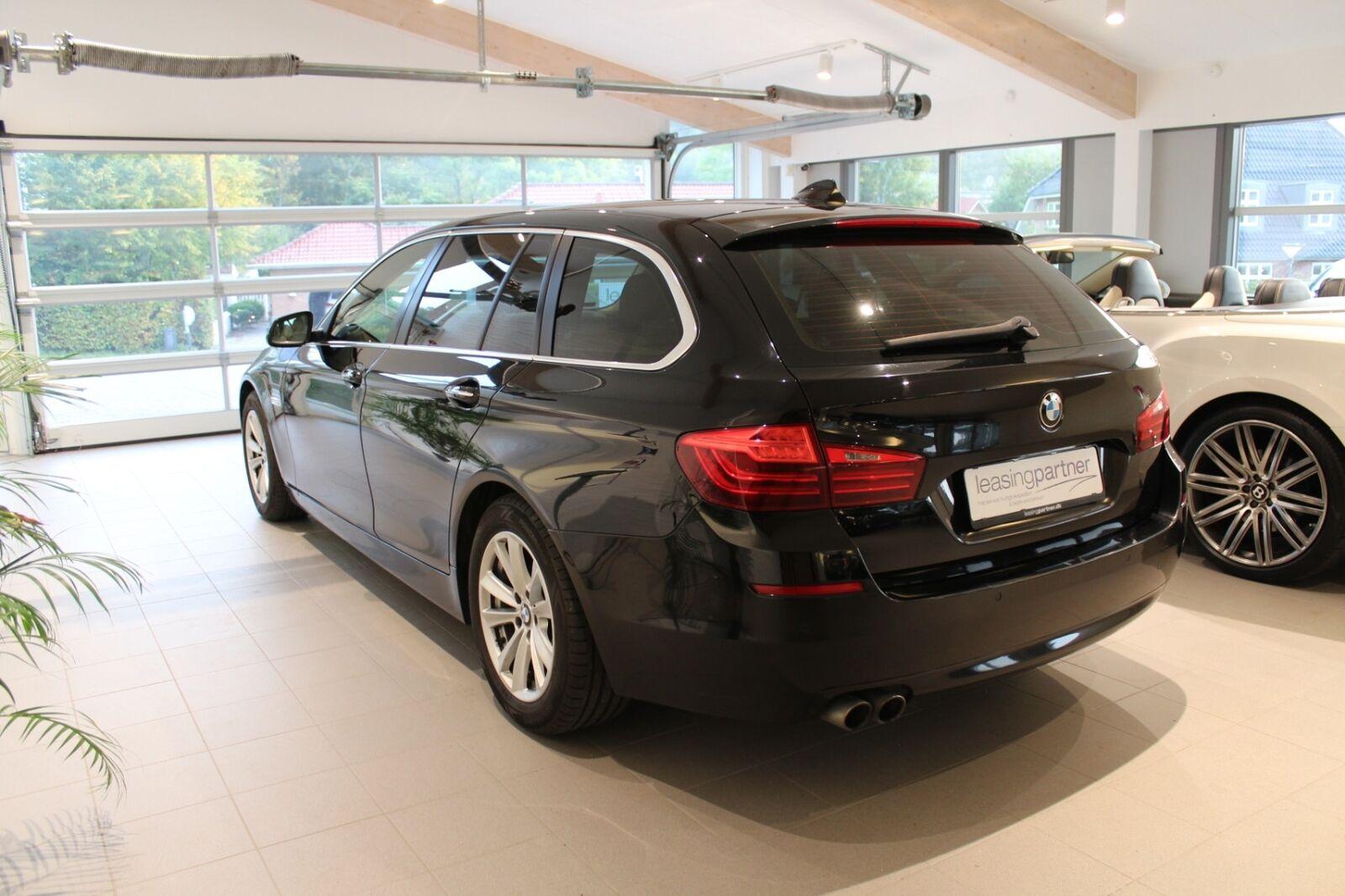 BMW 520d 2,0 Touring aut. 5d, Sort