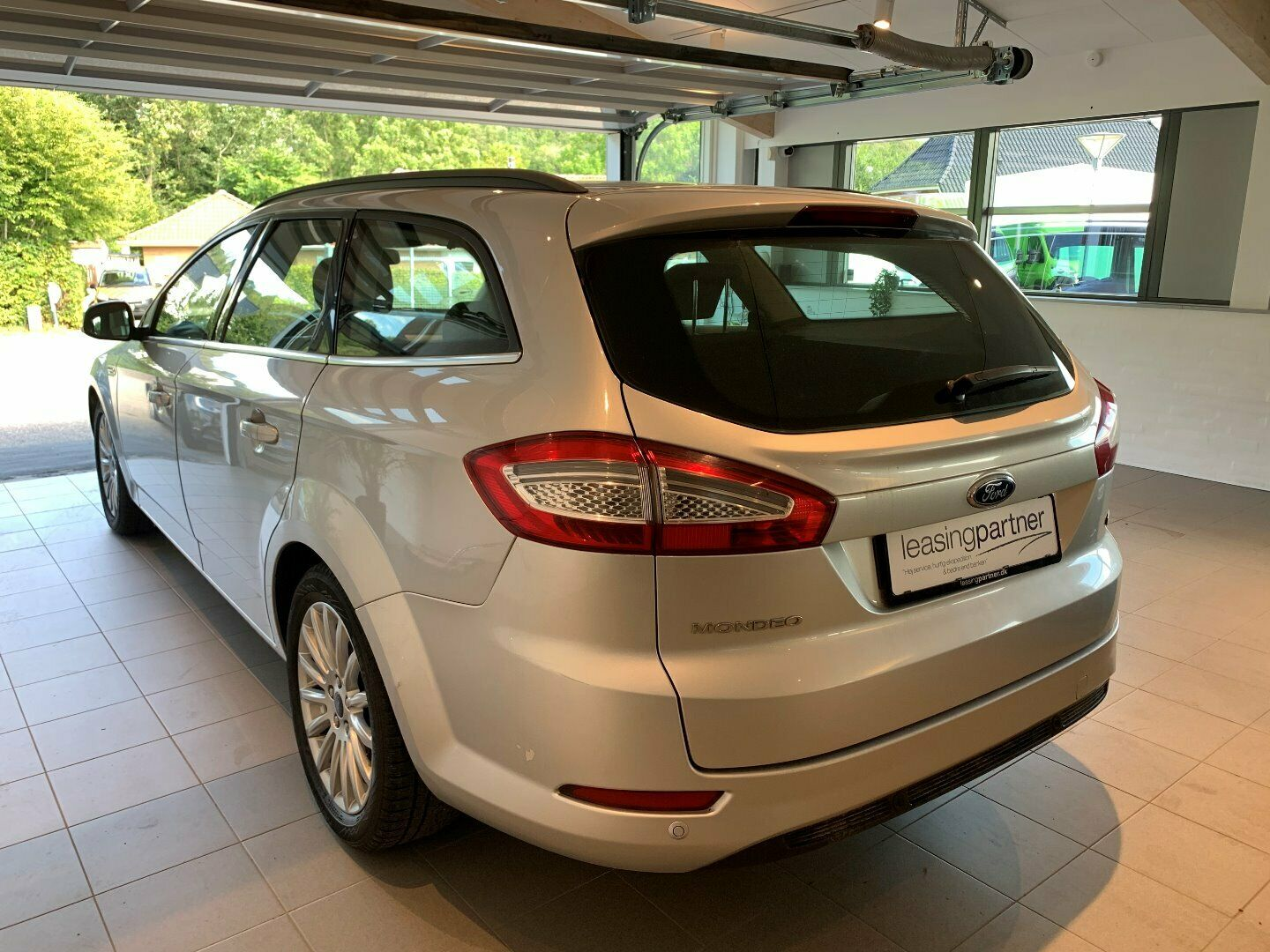 Ford Mondeo 1,6 TDCi 115 Collection stc. ECO 5d, Grå