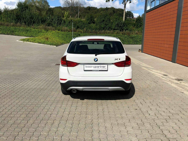 BMW X1 2,0 sDrive18d 5d, Hvid