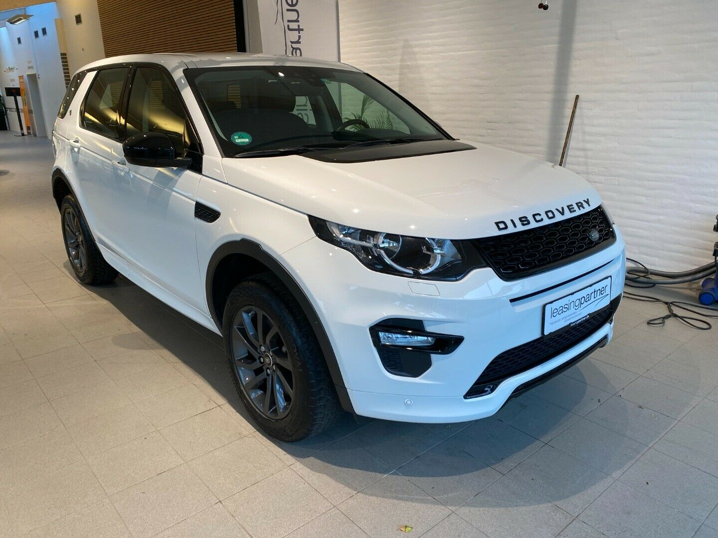 Land Rover Discovery Sport 2,0 SD4 SE aut. 5d, Hvid