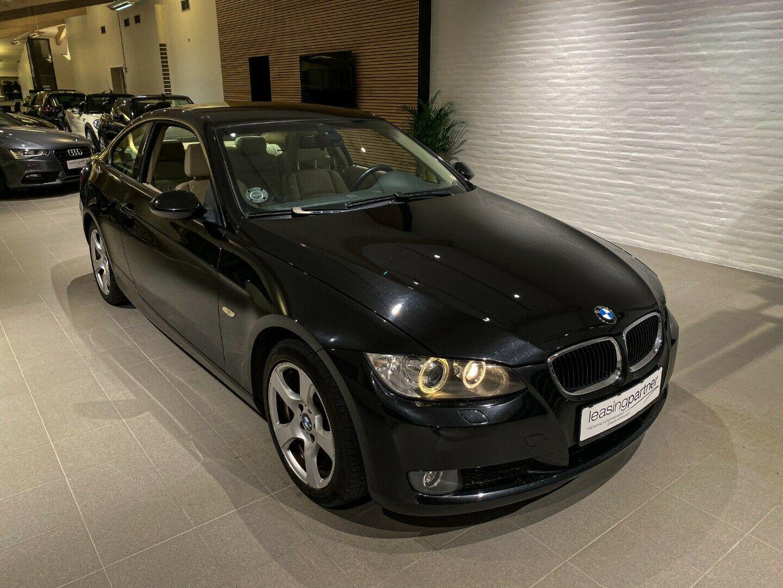 BMW 320i 2,0 Coupé 2d, Sort