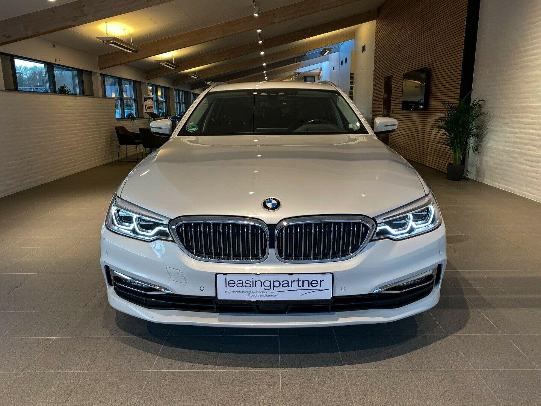 BMW 520d 2,0 Touring Luxury Line aut. 5d, Hvid