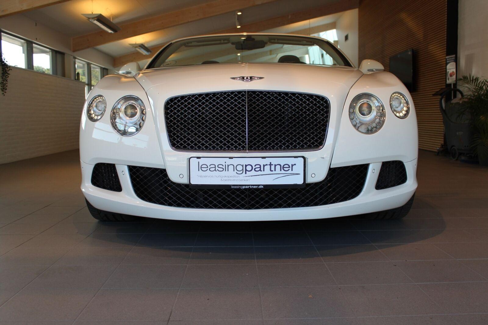 Bentley Continental GT 6,0 W12 Convertible Speed aut. 2d, Hvid