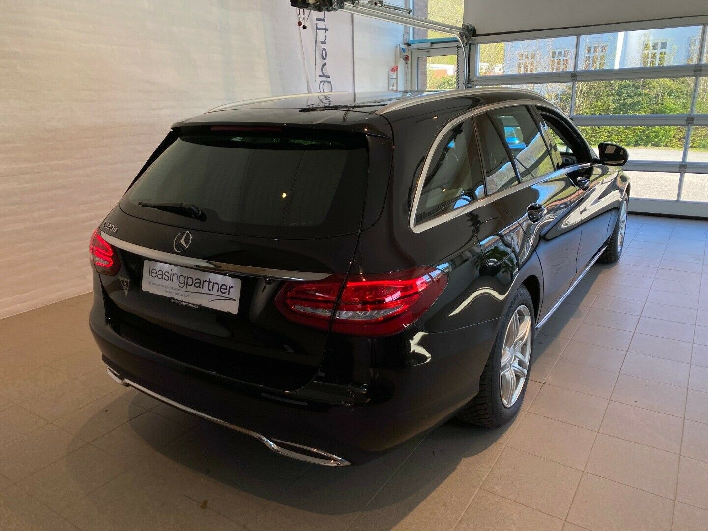 Mercedes C220 d 2,2 Avantgarde stc. 5d, Sort