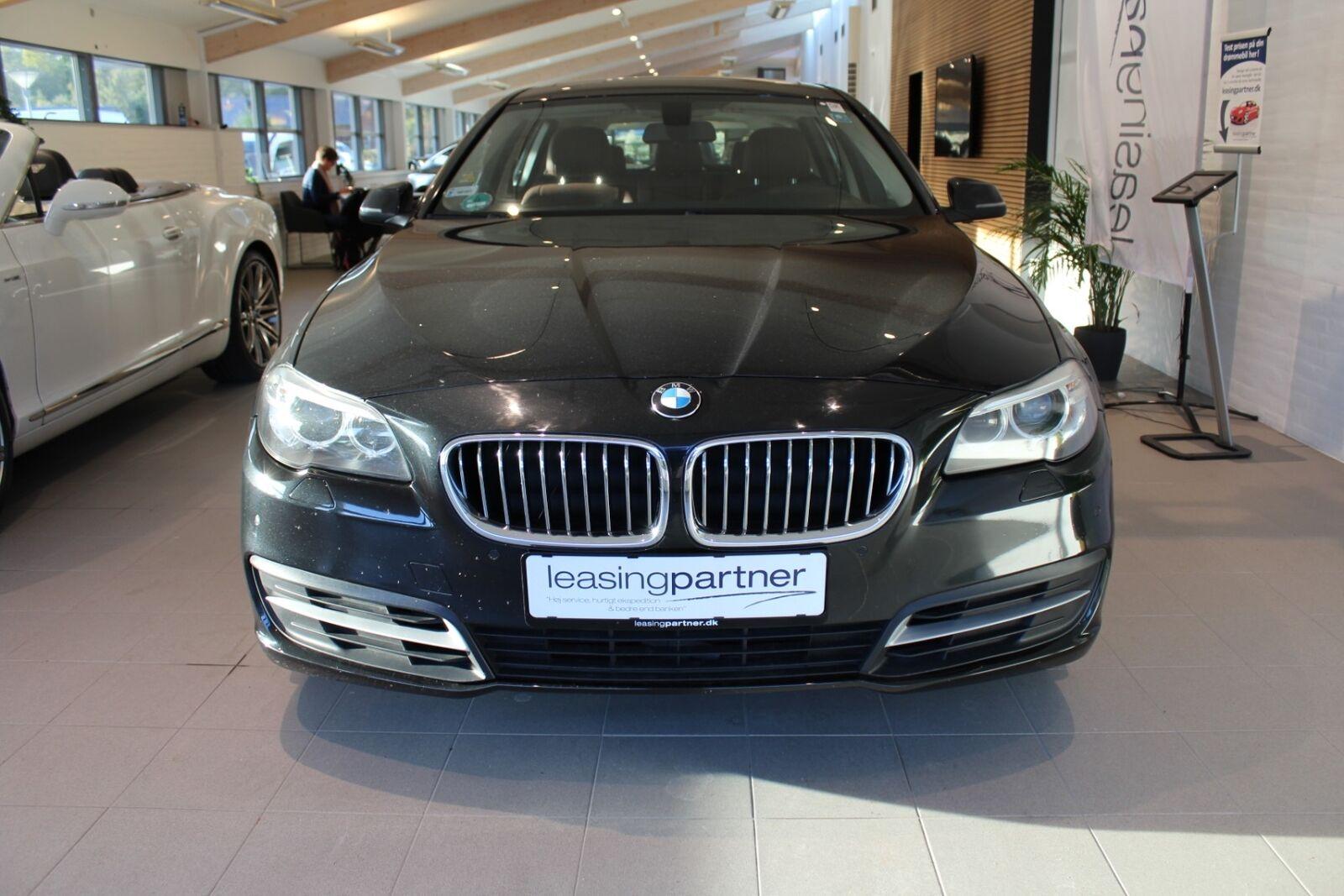 BMW 520d 2,0 Touring xDrive aut. 5d, Sort